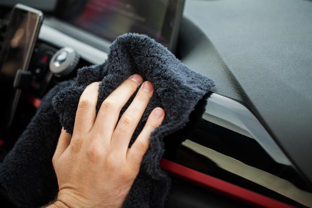 ¿Como limpiar el interior del coche?