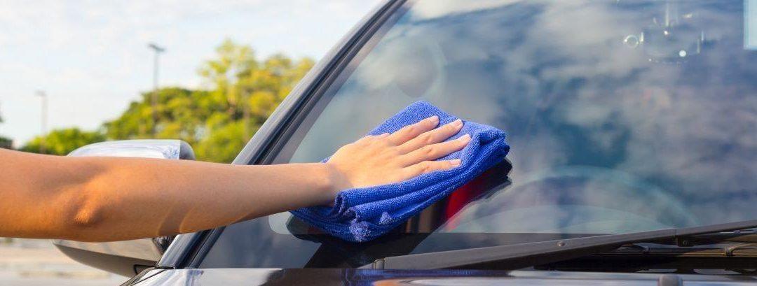 Cómo limpiar los cristales de tu coche