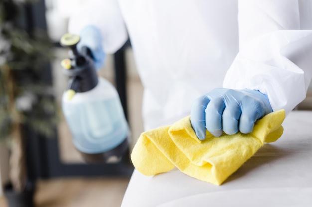 Por qué es esencial limpiar y desinfectar habitualmente
